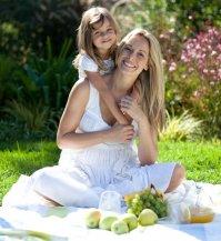 matka z córką, piknik, natura
